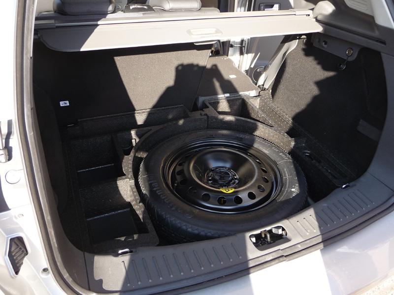 forum ford kuga afficher le sujet la roue de secours optionnelle. Black Bedroom Furniture Sets. Home Design Ideas