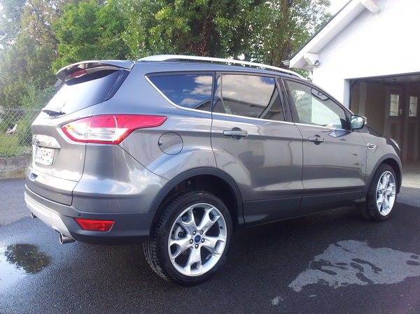 forum ford kuga afficher le sujet equipements becquet de toit. Black Bedroom Furniture Sets. Home Design Ideas