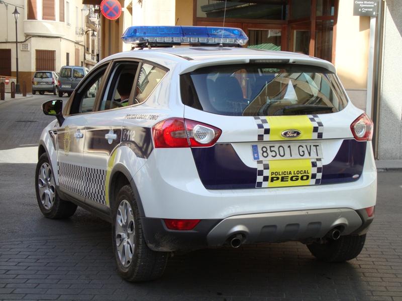 forum ford kuga afficher le sujet photos kugas de la police espagnole. Black Bedroom Furniture Sets. Home Design Ideas